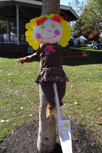 Scarecrow at Dunellen HarvestFest - Sunshine - happy face